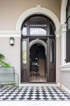 Today we rekindle our love for the talented Sydney-based studio Arent&Pyke to share with you their latest project Barcom Terrace in Darlinghurst, Sydney. Modern Victorian, Victorian Terrace, Victorian Homes, Entry Tile, Entry Hallway, Entryway, House Entrance, Exterior House Colors, House Front