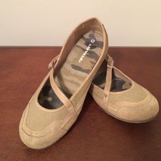 $8 Airwalk Flats Used condition but still comfy. Neutral color that I wore with various casual outfits.   Available as part of a bundle only. $25 is just a place holder. Please comment when ready to purchase your bundle, and I will change the price to match the listing title. Thank you!  Airwalk Shoes Flats & Loafers