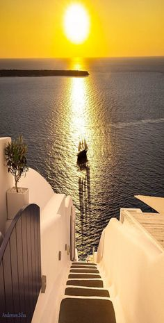 What are the Best Hotels in Santorini? What To Do while on the island? How to get to Santorini? Mykonos, Imerovigli Santorini, Santorini Sunset, Santorini Island, Santorini Greece, Vacation Places, Dream Vacations, Vacation Spots, Beautiful Islands