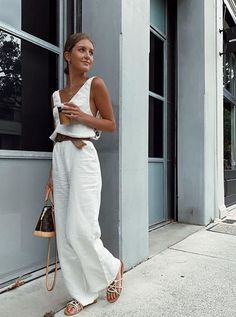 outfit looks summer ~ outfit looks ; outfit looks ideas ; outfit looks 2019 ; outfit looks summer ; outfit looks style ; outfit looks casual Spring Fashion Trends, Spring Summer Fashion, Fashion Fall, Summer Trends, Beach Holiday Fashion, Current Fashion Trends, Spring Style, Street Fashion, Topshop