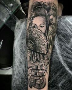 Gueixa tatuagem do parceiro Vinícius . Top Tattoos, Black Tattoos, Sleeve Tattoos, Tatoos, Japanese Legs, Japanese Sleeve, Back Piece Tattoo, Geisha Art, Jesus Pictures