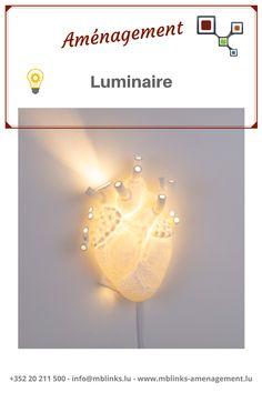 AMÉNAGEMENT : luminaire-💡 Chez MB Links, nous disposons de luminaires in(door) pour créer des atmosphères chaleureuses dans vos intérieurs et out(door) pour illuminer vos soirées en extérieur ! 😊 Contactez-nous si vous êtes à la recherche de lumières au look original ! 📞 ➡️+352 20 211 500 ➡️secretariat@mblinks.lu Visitez notre rubrique aménagement : ➡️www.mblinks-amenagement.lu Light Bulb, Wall Lights, Lighting, Home Decor, Light Fixture, Search, Appliques, Decoration Home, Room Decor