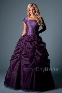 Annika - Prom Dress Front