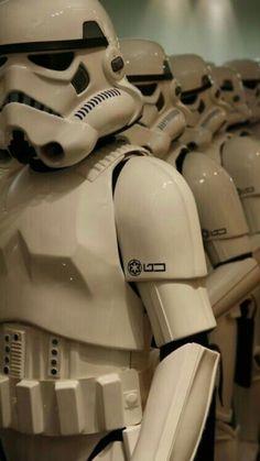 Imperial Stormtroopers in formation. Star Wars Clone Wars, Star Wars Art, Star Trek, Wallpaper Darth Vader, Star Wars Wallpaper, Star Wars Pictures, Star Wars Images, Ralph Mcquarrie, Stargate