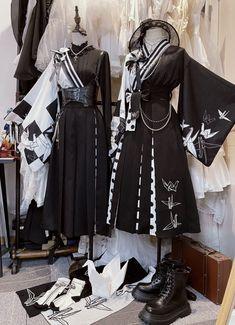 Pretty Outfits, Pretty Dresses, Beautiful Outfits, Cool Outfits, Cosplay Outfits, Anime Outfits, Kawaii Fashion, Lolita Fashion, Old Fashion Dresses