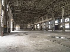 Interior of an empty warehouse/ factory Factory Architecture, Architecture Old, Building Structure, Empty, Abandoned, Buildings, Around The Worlds, Industrial, Factories