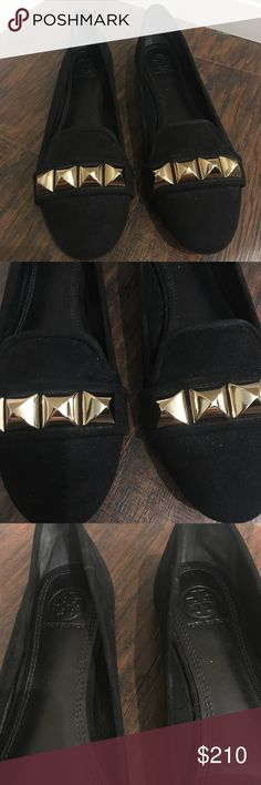 New, never been worn Tory Burch flats slippers New, never been worn. Tory Butch flats. Made of smooth suede, the Asher Smoking Slipper is part tomboy tough, with hefty pyramid studs, yet refined and distinctly feminine with its slender, gracefully curved silhouette. Sleek enough for work, laid-back enough for leisure and ready to go anywhere, it's a wardrobe mainstay. Tory Burch Shoes Slippers