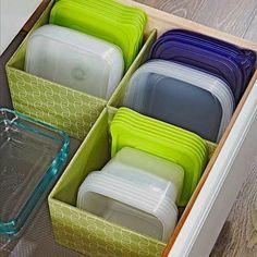 Food Storage Cabinet, Diy Cabinet Doors, Lid Storage, Diy Kitchen Storage, Diy Cabinets, Food Storage Containers, Kitchen Organization, Organization Ideas, Storage Ideas