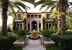 Palms and Italian cypress mixed. Unique House Plans, Dream House Plans, My Dream Home, Dream Homes, Foyers, Home Lottery, Huge Houses, Design Your Own Home, Mediterranean House Plans