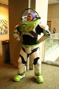ScreenCrush to Star Command, do you read us? This cosplay of Buzz Lightyear from 'Toy Story' is absolutely wonderful!