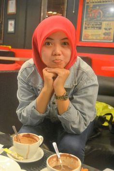 happy At coffe shop with friends