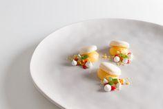 Macaron, lemon curd and white chocolate