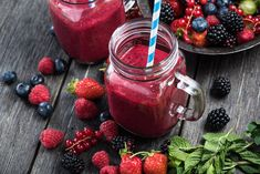 Very Berry Smoothies Smoothies For Kids, Healthy Smoothies, Yogurt Smoothies, Mason Jar Smoothie, Honeydew Smoothie, Bubble Tea Flavors, Green Goddess Smoothie, Detox Breakfast, Fast Healthy Meals