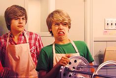 Cole and Dylan Sprouse (;