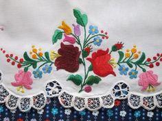 Hungarian Matyo apron detail