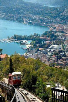 Bella vista del Lago de Lugano, es un lago alpino que se extiende entre el cantòn de Tesino en Suiza, y de las provincias de Varese y Como en Italia.