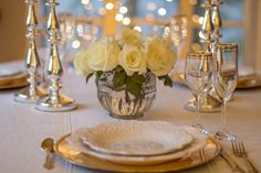 Tired of the regular bridal shower theme? Looking for fun and unique bridal shower themes? We've gathered 15 bridal shower themes that are nothing short of unique. Picnic Bridal Showers, Bridal Shower Venues, Unique Bridal Shower, Bridal Shower Games, Pineapple Centerpiece, Floral Centerpieces, Feng Shui, Event Planning, Wedding Planning