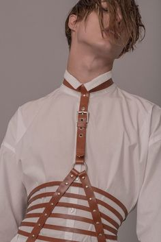 Sampedro Accesories unveiled its second collection inspired by traditions and folklore of the Basque Country in Spain with harnesses, chokers, belts, necklaces, bracelets handmade in natural leather. Oier and Carlos are the names behind Sampedro Accesorie Leather Harness, Leather Belts, Leather Braces, Pretty People, Beautiful People, Aesthetic Boy, Inspiration Mode, Mens Fashion, Fashion Outfits