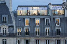 Transparent Intentions: 13 Glass Additions to Historic Architecture — WebUrbanist – Dachaufstockung Atelier Architecture, Architecture Renovation, Roof Architecture, Historical Architecture, Parisian Apartment, Paris Apartments, Paris Rooftops, Mansard Roof, Roof Extension