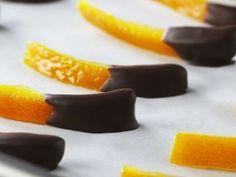 Cascaritas de naranja bañadas en chocolate