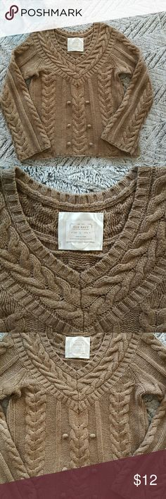 Sale Thick Brown Sweater Medium Comfortable sweater, thick Old Navy Color is a warm brown Great with jeans and boots Armpit to armpit measures 18 inches  Armpit to bottom 16 inches 30 percent off bundles See my closet!!!! Old Navy Sweaters V-Necks