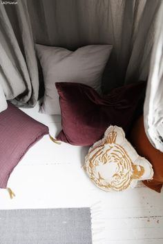 Fra baby - til jenterom - LADY Inspirasjonsblogg Home Deco, Cozy, Throw Pillows, Toss Pillows, Cushions, Home_decor, Decorative Pillows, Decor Pillows, Scatter Cushions