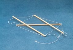 Simple tensegrity structures by Marcelo Pars. For more, see http://www.tensegriteit.nl/