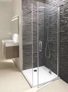"""Paroi de douche avec porte pivotante (l 80 x H 200 cm) en verre (ép. 8 mm). """"Azura"""", côté fixe 394,70 e, côté pivotant 502,30 euros, Jacob Delafon."""
