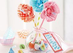 Mother's day gift idea. Cute, quick, and easy! Chocolate is always a good thing for a mom gift idea.