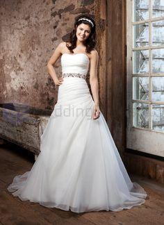 Organza A-line Strapless Sweetheart Neckline Wedding Dress
