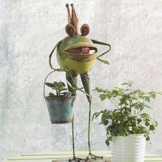Sunjoy Whimsical Bucket Frog Garden Statue