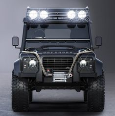 #LandRover Defender in new James Bond movie