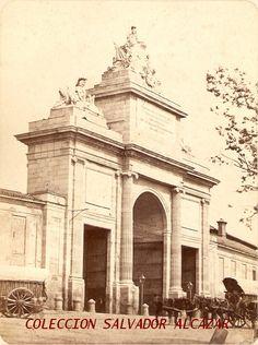 Hacia 1865. Puerta de Toledo | Flickr: Intercambio de fotos