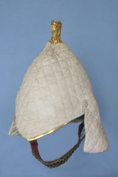 1847 Pattern Helmet of Dragoon Guards with quilted cover as worn by the regiment during its service in the Indian Mutiny British Army Uniform, British Uniforms, Military Dresses, Military Uniforms, Elmo, Pith Helmet, Indian Army, British History, Military History