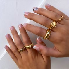 Hand Jewelry, Cute Jewelry, Jewelry Accessories, Fashion Accessories, Fashion Jewelry, Jewlery, Gold Band Ring, Gold Bands, Band Rings