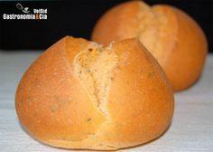 Pan de tomate y albahaca