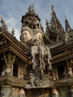 Details of the temple, Sanctuary of Truth in Pattaya.