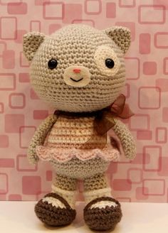 Etsy の Crochet Amigurumi Pattern  Calliope Cat by littlemuggles