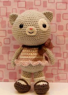 Etsy の Crochet Amigurumi Pattern  Calliope Cat by littlemuggles
