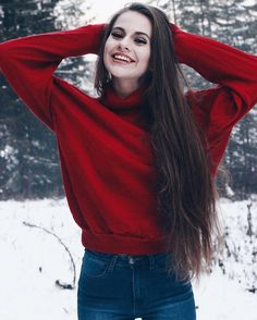 Photography winter girl snow senior photos 47 new ideas Winter Senior Pictures, Girl Senior Pictures, Winter Photos, Winter Pictures, Senior Photos, Photography Poses Women, Winter Photography, Portrait Photography, Photography Ideas