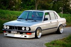 #E28 BMW with euro bumpers, and air dam sitting tight