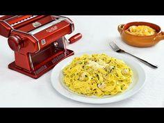 Paste cu pui si sos alb facute in casa cu Marcato - video