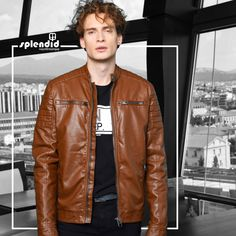 Splendid fashion ανδρική δερματίνη Splendid ανδρικό μπουφάν κοντό από δερματίνη με όρθιο γιακά. -Κλείσιμο με Φερμουάρ -Χρώματα: Μαύρο, Καμηλό -Σύνθεση : 100% Πολυουρεθάνη -Σύνθεση φόδρας : 100% Πολυεστέρας -Συλλογή : Φθινόπωρο - Χειμώνας Red Leather, Leather Jacket, Social Media, Posts, Jackets, Collection, Fashion, Studded Leather Jacket, Down Jackets