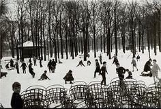 """""""Première neige au Jardin du Luxembourg"""", une photo de © Edouard Boubat, 1955  (Paris 6ème)"""