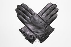 Leather Glove with Ruffled Bottom- Black