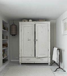 Love armoires/wardrobes