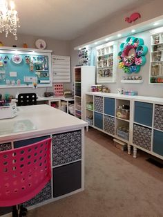 Super sewing room ikea small spaces craft storage ideas - Image 15 of 20 Sewing Room Design, Craft Room Design, Craft Room Decor, Craft Room Storage, Ikea Craft Room, Sewing Studio, Craft Room Shelves, Basement Craft Rooms, Pegboard Craft Room