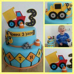 Werkzaamheden met graafmachine en kiepwagen of vrachtwagen taart / Under construction Truck cake