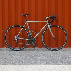 Personal road bike : 7,9 kg Frame : Jaegher Phantom (Full Columbus Spirit w/ lugs) • Fork : Columbus minimal full carbone • Headset : Chris King • Stem : 3T ARX alu paint job metallic grey • Handlebar : 3T Ergosum alu paint job metallic black • Guidoline : Fizik • Seatpost : Thomson Masterpiece • Sadle : Selle Italia Superflow titane 145 • Groupset : Full Campagnolo Chorus 2015 • Wheelset : Campagnolo Zonda 2014 • Pedals : Time xpresso 4 • Tires : Veloflex Corsa 25c • Bottle cage : King Cage