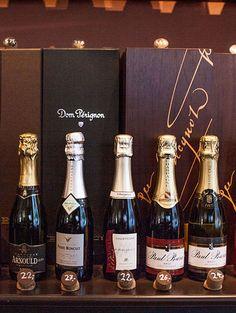 Le Cru | STADTBEKANNT | Das Wiener Online Magazin Champagne, Bottle, Drinks, Drinking, Beverages, Flask, Drink, Beverage, Jars